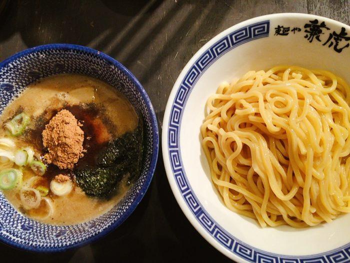 濃厚つけ麺(¥900)を注文!
